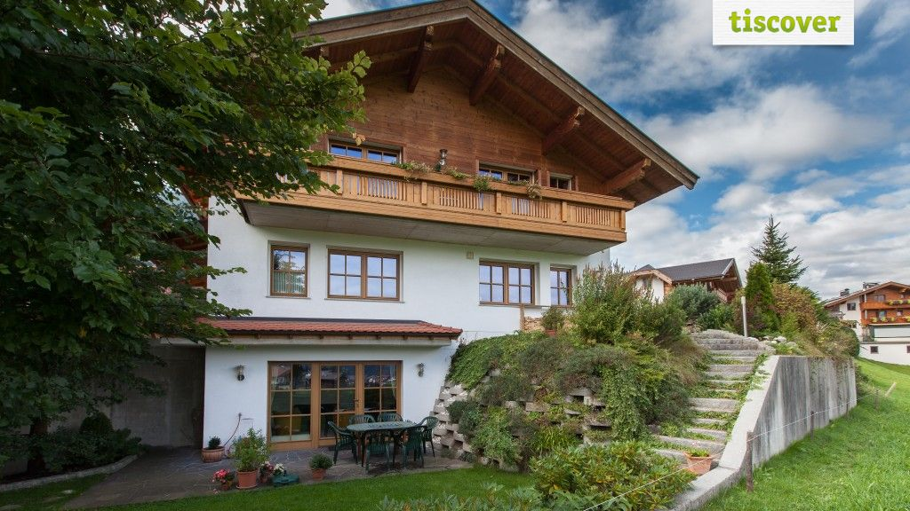 View from outside In summer - Landhaus Mueller Reith im Alpbachtal