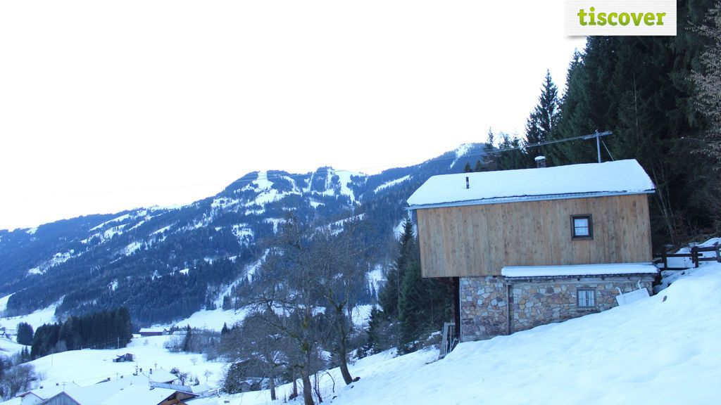 Aussenansicht im Winter - Zauberhuette z'Gruab - Ferienwohnung Wildschoenau