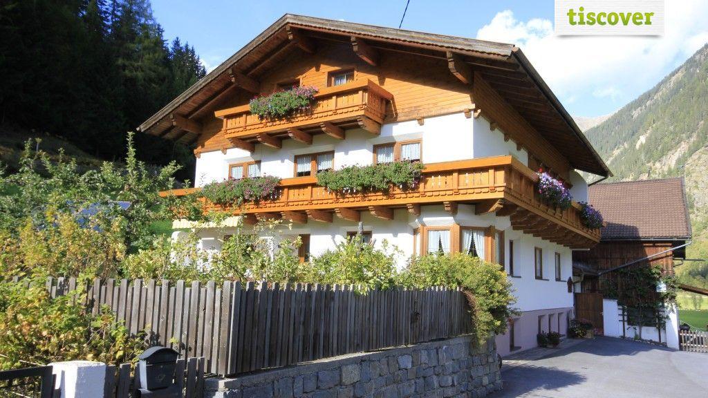 View from outside In summer - Ferien Hofmann Kaunertal