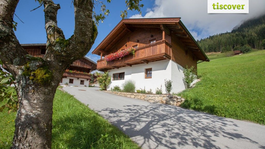 View from outside In summer - Alsten Alpbach