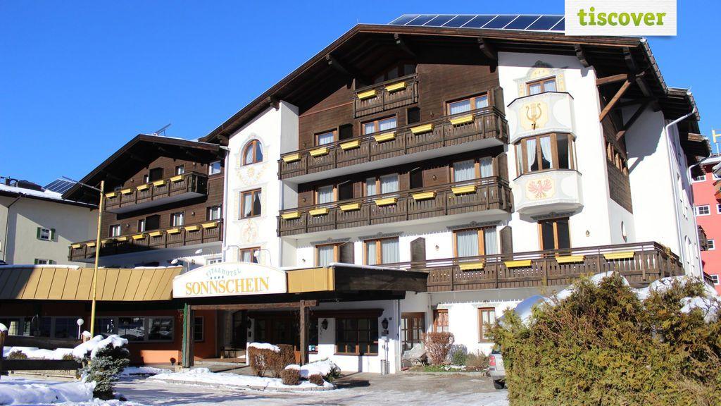 Aussenansicht im Winter - Hotel Sonnschein Wildschoenau