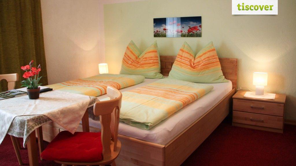 "Double Room (Standard)  - Gaestehaus ""Sonnenheim"" Thaur"