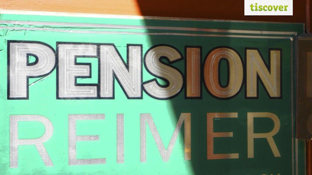 Aussenansicht im Sommer - Pension Reimer Wien