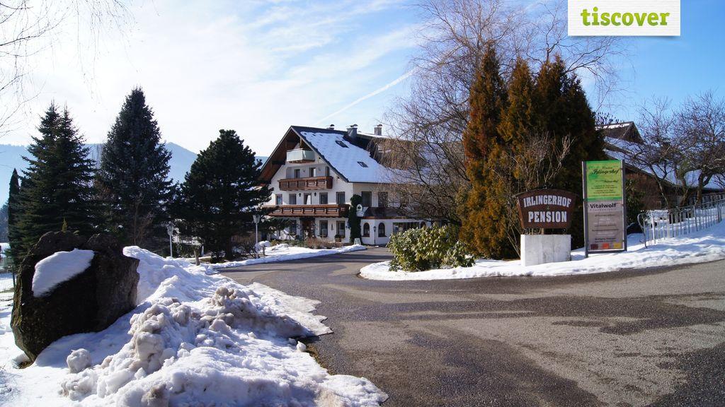 Aussenansicht im Winter - Pension Irlingerhof Tiefgraben am Mondsee