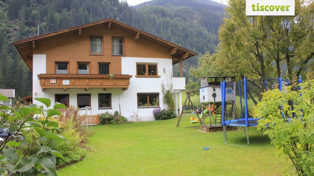 View from outside In summer - Larcher Bauernhof Kaunertal