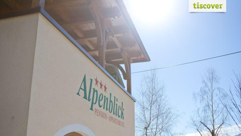 View from outside  - Pension Alpenblick Faistenau
