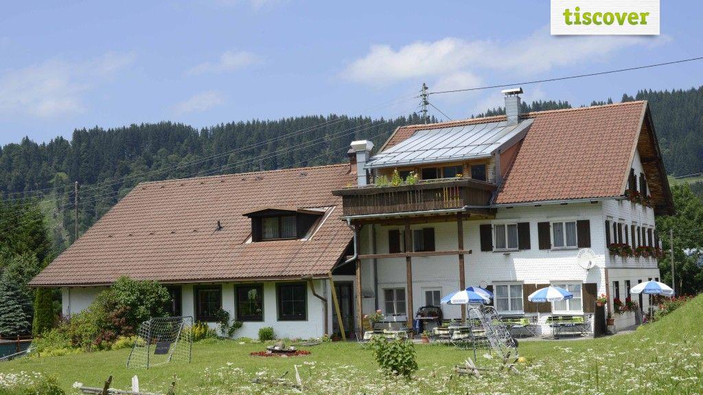 Aussenansicht im Sommer - Gasthof Lochbihler Jungholz