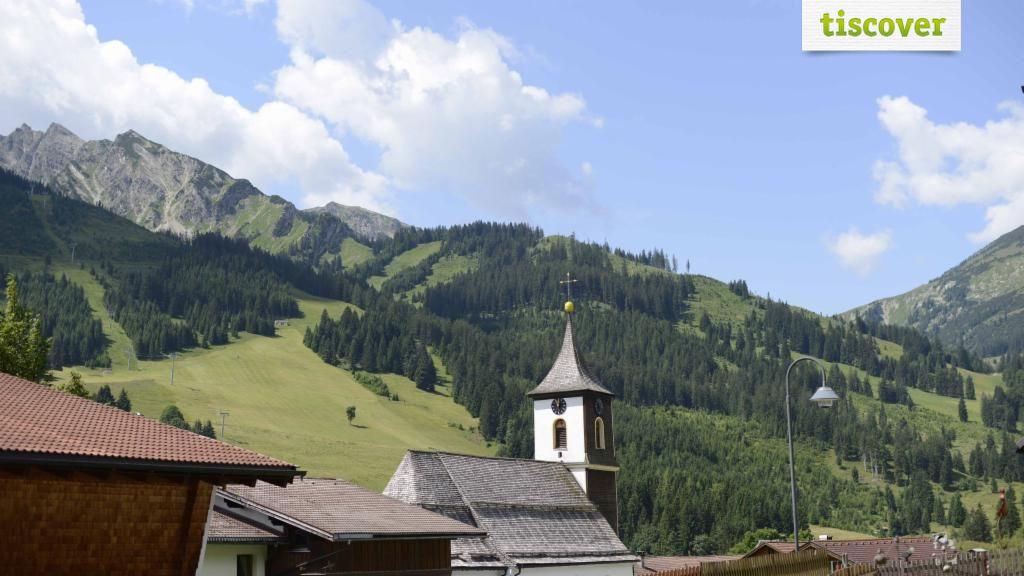 Tourismusinformation Zöblen im Sommer - Zoeblen Tirol