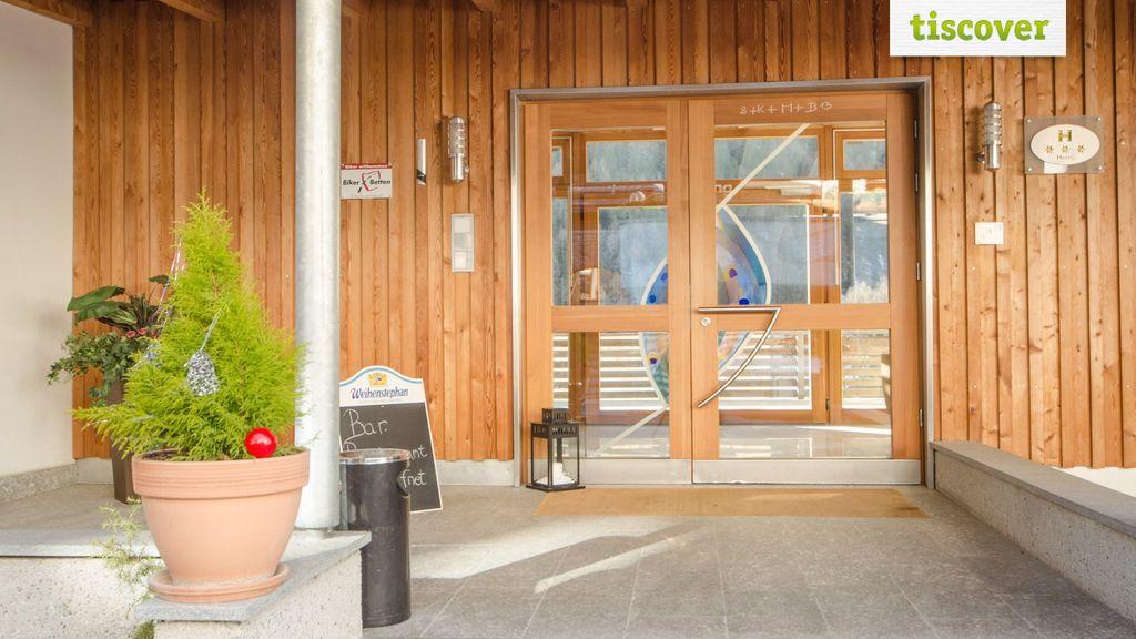 Aussenansicht im Winter - Hotel Gasthof Edelweiss Mals im Vinschgau