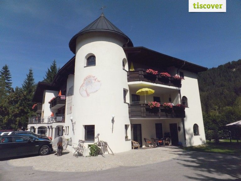 View from outside In summer - Der Schloesslhof, die Moelcheralm Leutasch